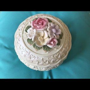 Vintage porcelain trinket bowl & lid with flowers